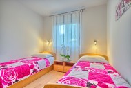 App4 Bedroom2
